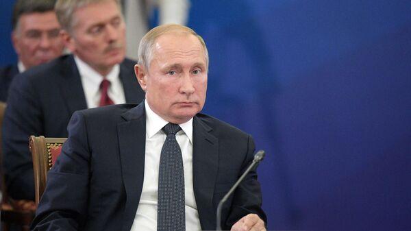 Президент РФ Владимир Путин принимает участие в заседании Высшего евразийского экономического совета в Ереване