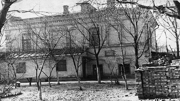 Здание ейского детского дома, воспитанников которого казнили эсэсовцы 9 октября 1942 года