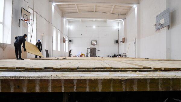 Ремонтные работы в средней школе № 2 города Нижнеудинска, пострадавшей от наводнения летом 2019 года