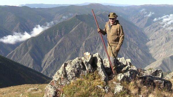 Забрались за облака: Путин в горах сибирской тайги