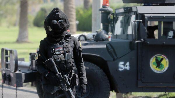 Боец спецподразделения по борьбе с терроризмом