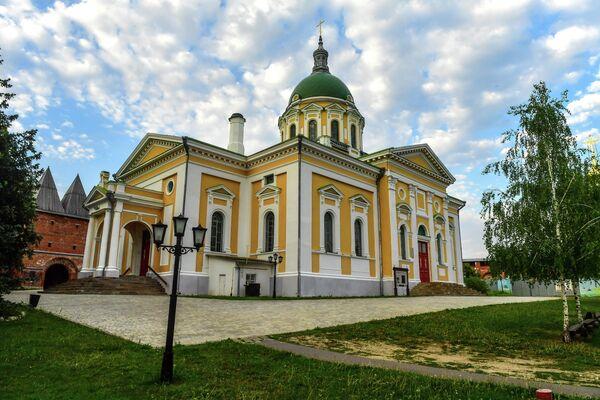 Иоанно-Предтеченский собор на территории государственного музея-заповедника Зарайский кремль