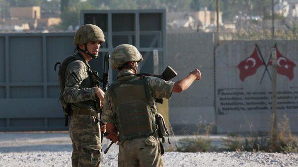 Турецкие военные на границе между Турцией и Сирией. 9 октября 2019