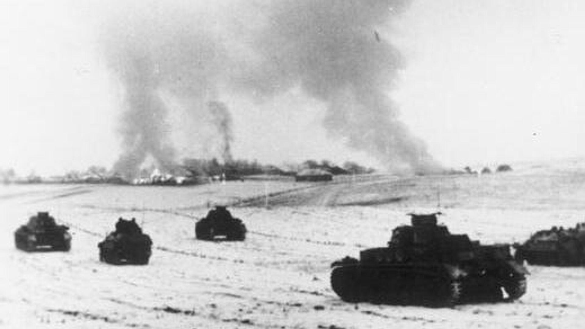 Немецкие танки атакуют советские позиции в районе Истры, 25 ноября 1941 - РИА Новости, 1920, 07.01.2021