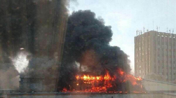 Пожар на складе с пухом и пером в Новосибирске