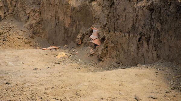 Херсонесская амфора в погребении скифянки