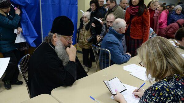Митрополит Екатеринбургский и Верхотурский Кирилл принимает участие в опросе по месту строительства собора святой Екатерины в Екатеринбурге