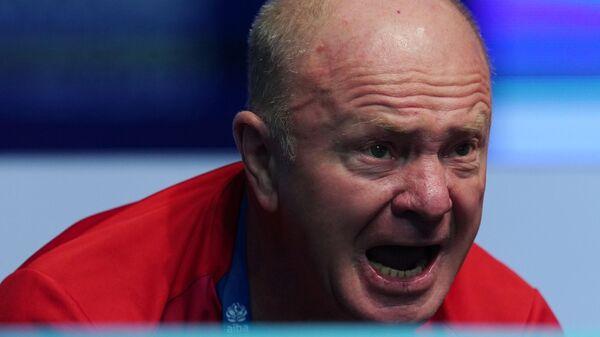 Тренер Иван Шидловский (Россия) на чемпионате мира по боксу AIBA среди женщин в Улан-Удэ.