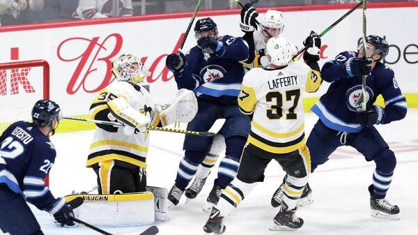 Виннипег Джетс - Питтсбург Пингвинз в домашнем матче регулярного чемпионата НХЛ