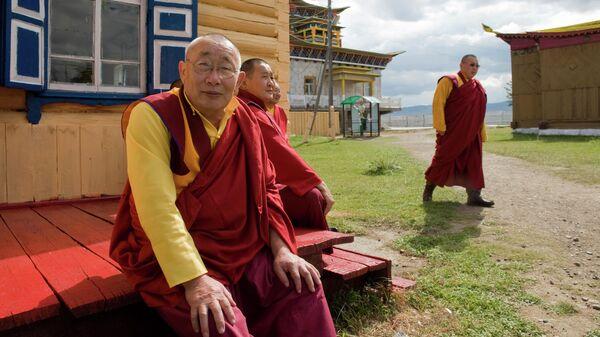 Монахи Иволгинского дацана - крупнейшего буддийского монастыря, расположенного в селе Верхняя Иволга