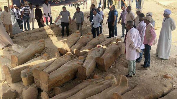 Обнаруженные при раскопках в древнем городе Луксоре деревянные саркофаги