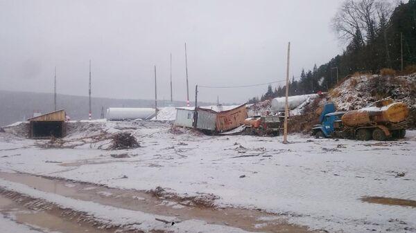 Вид рабочего поселка в Курагинском районе Красноярского края, где ночью была прорвана дамба