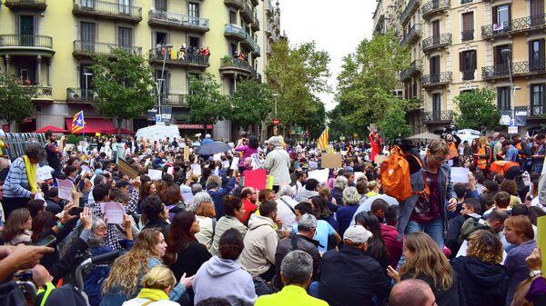 Сидячий протест у представительства правительства Испании в Барселоне