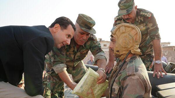 Президент Сирии Башар Асад во время встречи с военными САР
