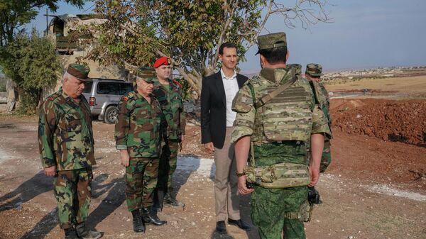 Президент Сирии Башар Асад во время встречи с военными САР в провинции Идлиб