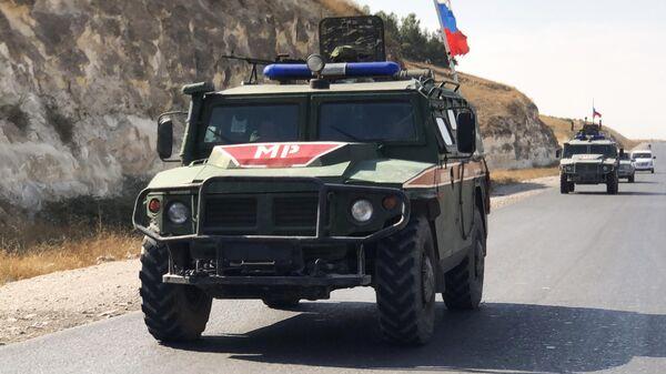 Бронеавтомобили военной полиции РФ на северо-востоке провинции Алеппо в Сирии