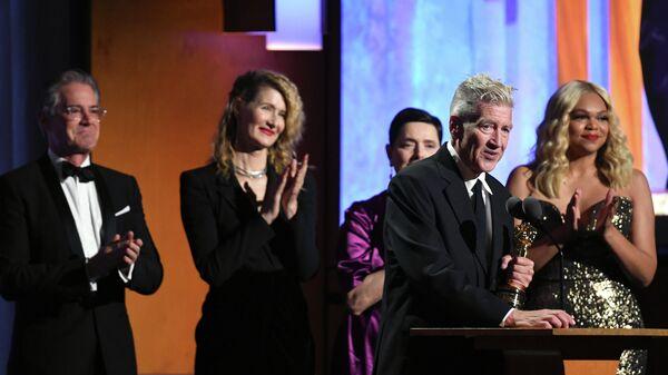 Кайл МакЛахлан, Лора Дерн, Изабелла Росселлини и Дэвид Линч на сцене. 27 октября 2019