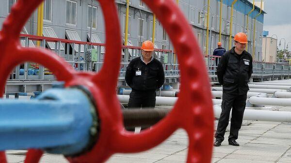 Рабочие на подземном газохранилище на Украине