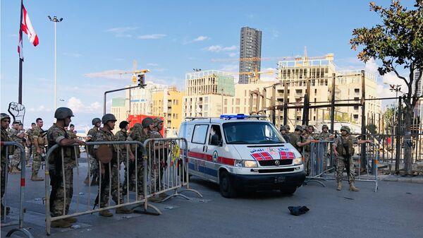 Военнослужащие на улицах Бейрута, где проходят акции протест