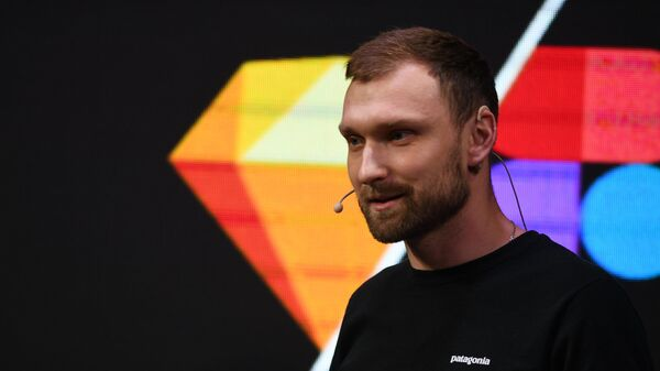 Митя Осадчук креативный директор Mail.Ru Group на конференции по медиадизайну M&DC2k19