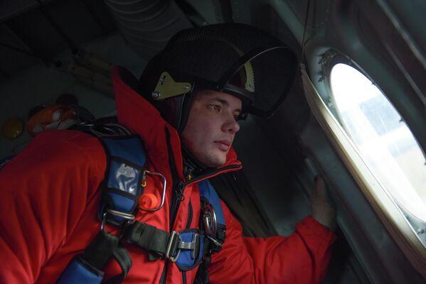Парашютист-пожарный Читинского авиаотделения ПДПС ФБУ Авиалесоохрана Дмитрий Никитин знает, что живет на земле не зря
