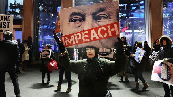 Акция за импичмент президента США Дональда Трампа в Нью-Йорке