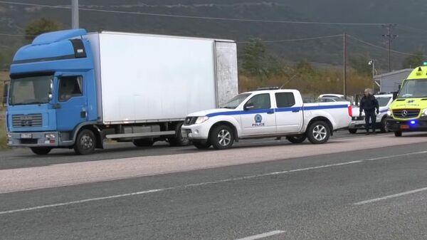 Видео задержания грузовика с мигрантами в Греции