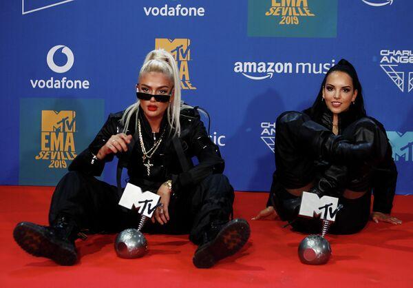 Рэп-исполнительницы Лоредана Цефи и Juju на церемонии награждения MTV Europe Music Awards