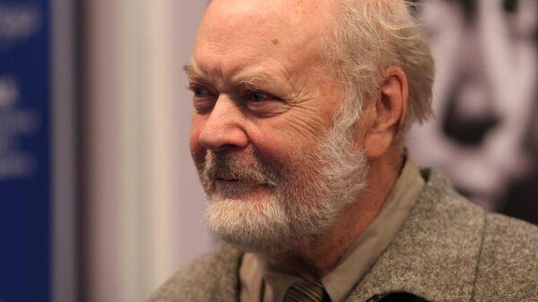 Литературный критик Лев Аннинский