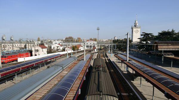 Железнодорожный вокзал в Симферополе