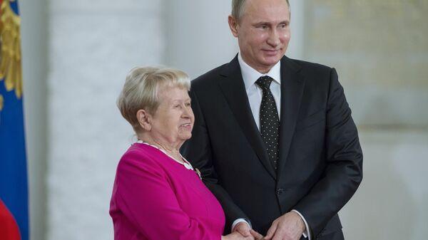 Президент РФ В.Путин вручил государственные премии в День России в Кремле
