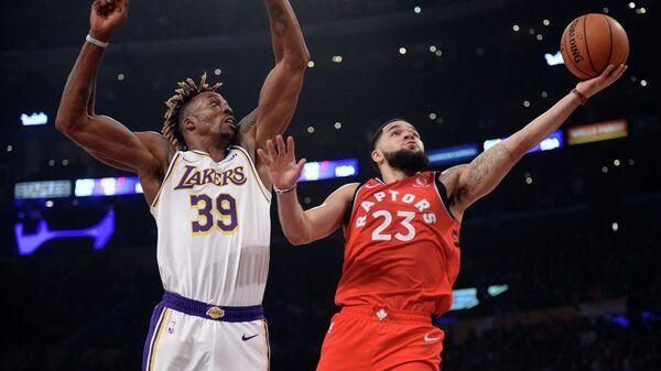 Игровой момент матча Торонто Рэпторс - Лос-Анджелес Лейкерс