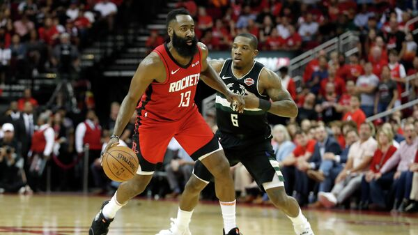 Хьюстон Рокетс - Лос-Анджелес Клипперс в матче регулярного чемпионата НБА