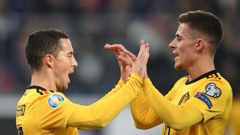Футболисты сборной Бельгии Эден Азар (слева) и Торган Азар