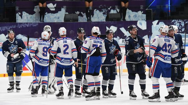 Хоккеисты Адмирала и СКА