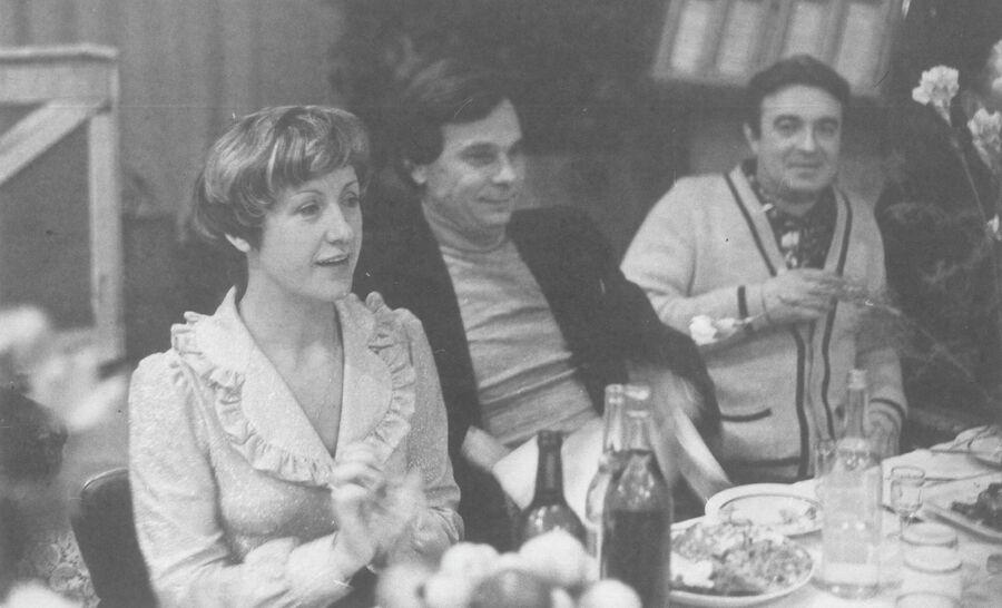Лидия и Валентин Ивановы за праздничным столом. Фото из личного архива Лидии Ивановой