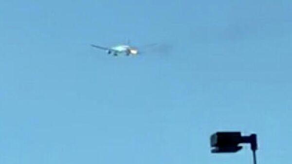 Самолет Boeing 777-300ER авиакомпании Philippine Airlines, загоревшийся после вылета из Лос-Анджелеса, США. 21 ноября 2019