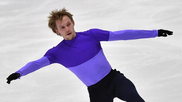 Сергей Воронов (Россия) выступает с произвольной программой в соревнованиях среди мужчин на турнире Finlandia Trophy 2019 по фигурному катанию в Эспоо.