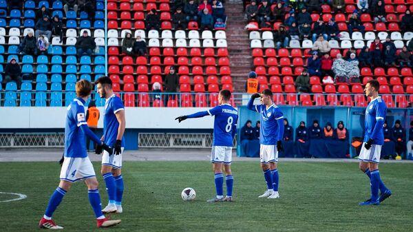 Футболисты Факела во встрече с Нижним Новгородом