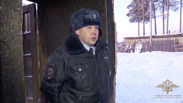 Участковый уполномоченный ОМВД России по Нягани лейтенант полиции Владимир Александров