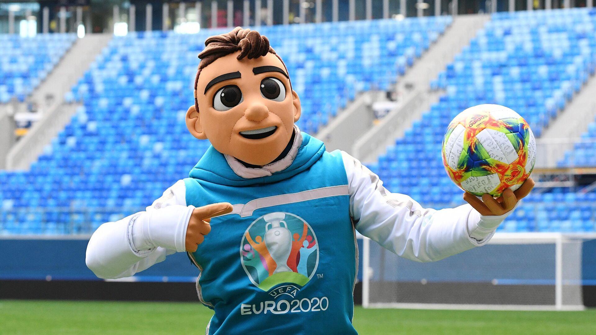 Официальный талисман чемпионата Европы по футболу 2020 мальчик Скиллзи - РИА Новости, 1920, 18.06.2021