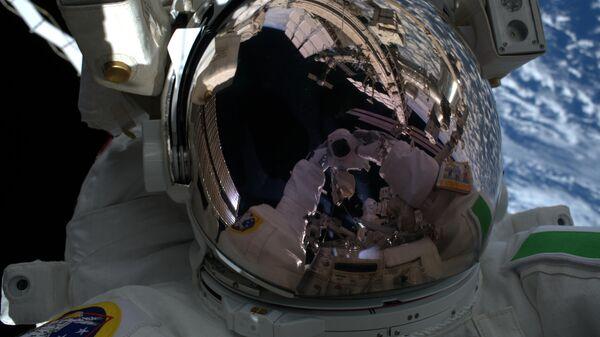 Астронавт НАСА рассказал, каким будет выход туристов в открытый космос