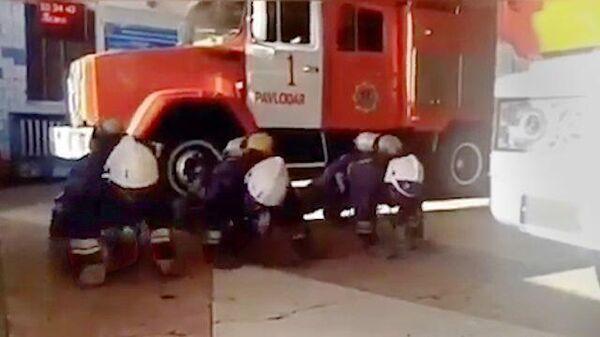 Чеченские пожарные запустили флэшмоб