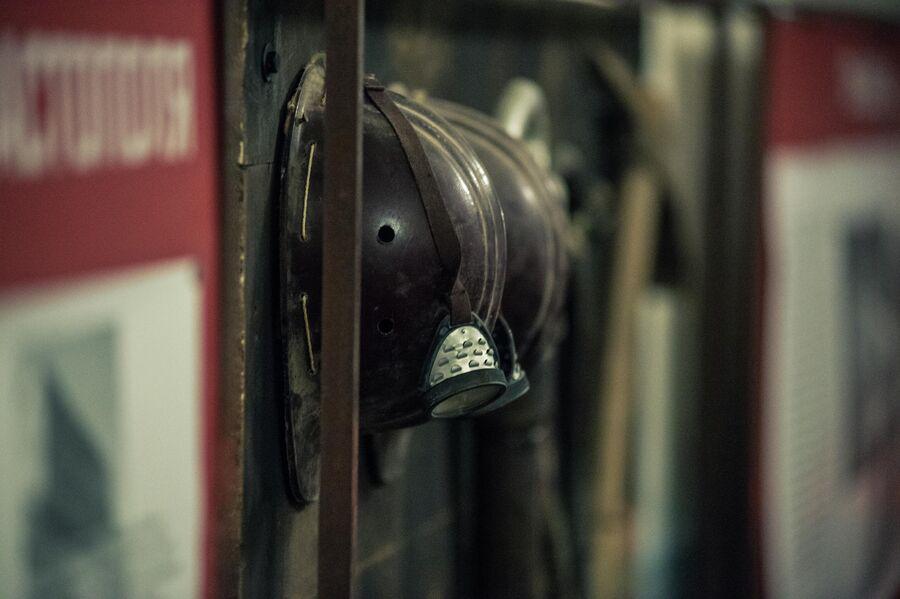 Снаряжение специалистов, строивших подземные сооружения под Севастополем