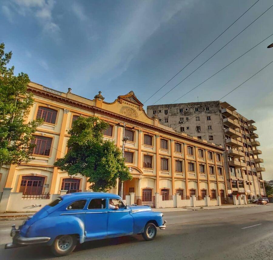 Известная сигарная фабрика H. Upmann