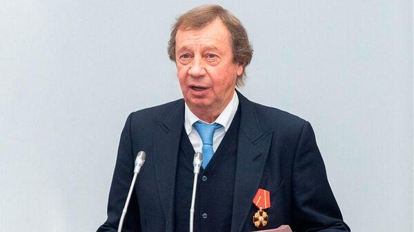 Главный тренер московского футбольного клуба Локомотив Юрий Семин