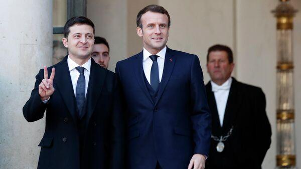 Президент Франции Эммануэль Макрон и президент Украины Владимир Зеленский в Елисейском дворце в Париже. 9 декабря 2019