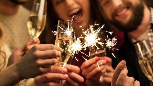 Хватит ждать Нового года. Челлендж радио Sputnik #Яуспею2019