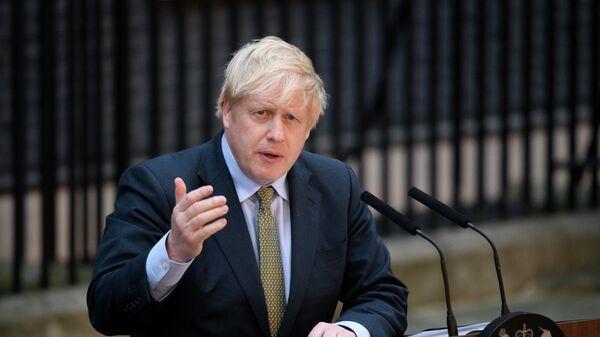 Премьер-министр Борис Джонсон выступает на Даунинг-стрит в Лондоне