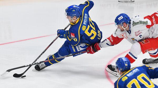 Виктор Лев и Якуб Ержабек в матче Кубка Первого канала между сборными Чехии и Швеции
